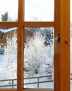 wooden-window-in-winter