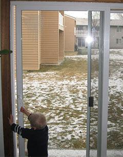 installation-portal-in-winter